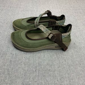 Chaco girls size 13 suede Mary Jane shoes